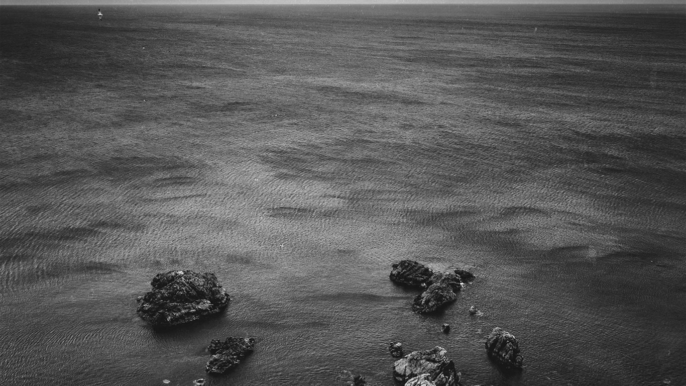 desktop-wallpaper-laptop-mac-macbook-air-na52-cliff-sea-ocean-rock-nature-bw-dark-wallpaper