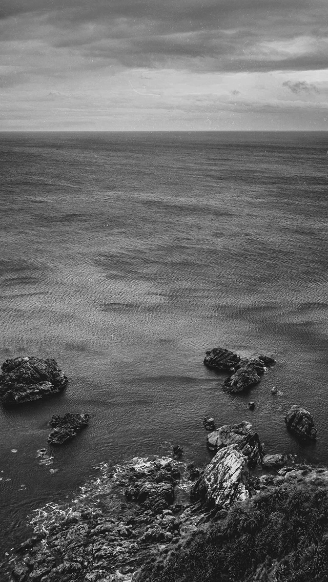 freeios8.com-iphone-4-5-6-plus-ipad-ios8-na52-cliff-sea-ocean-rock-nature-bw-dark
