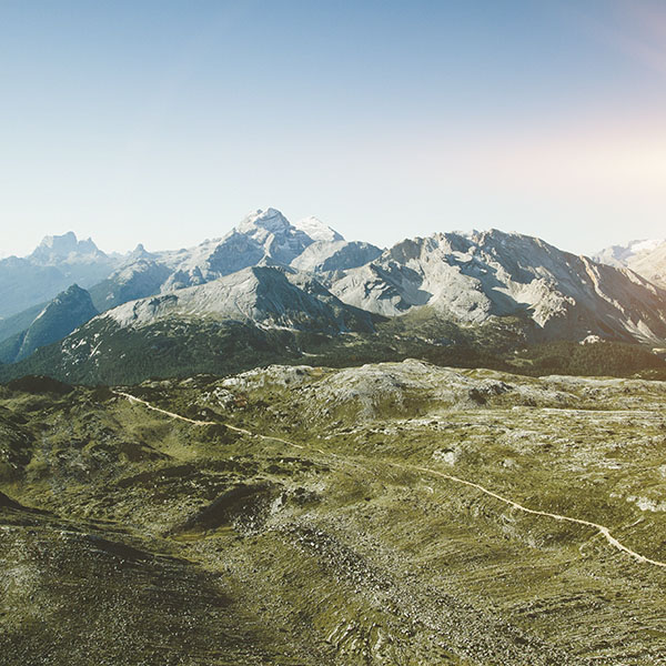 iPapers.co-Apple-iPhone-iPad-Macbook-iMac-wallpaper-na69-summer-day-mountain-sky-green-blue-nature-flare-wallpaper