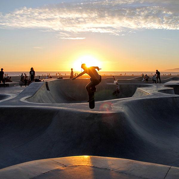 iPapers.co-Apple-iPhone-iPad-Macbook-iMac-wallpaper-nb18-skateboard-extreme-sports-summer-wallpaper