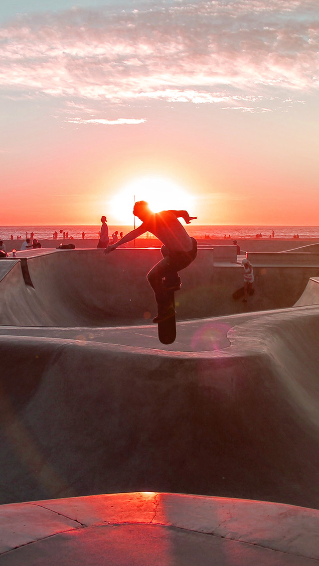 freeios8.com-iphone-4-5-6-plus-ipad-ios8-nb19-skateboard-extreme-sports-summer-flare-red
