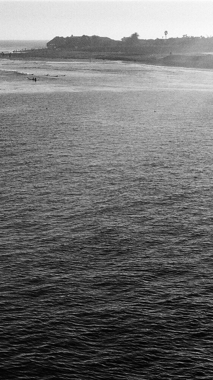 iPhone7papers.com-Apple-iPhone7-iphone7plus-wallpaper-nb22-sea-beach-holiday-nature-dark-bw