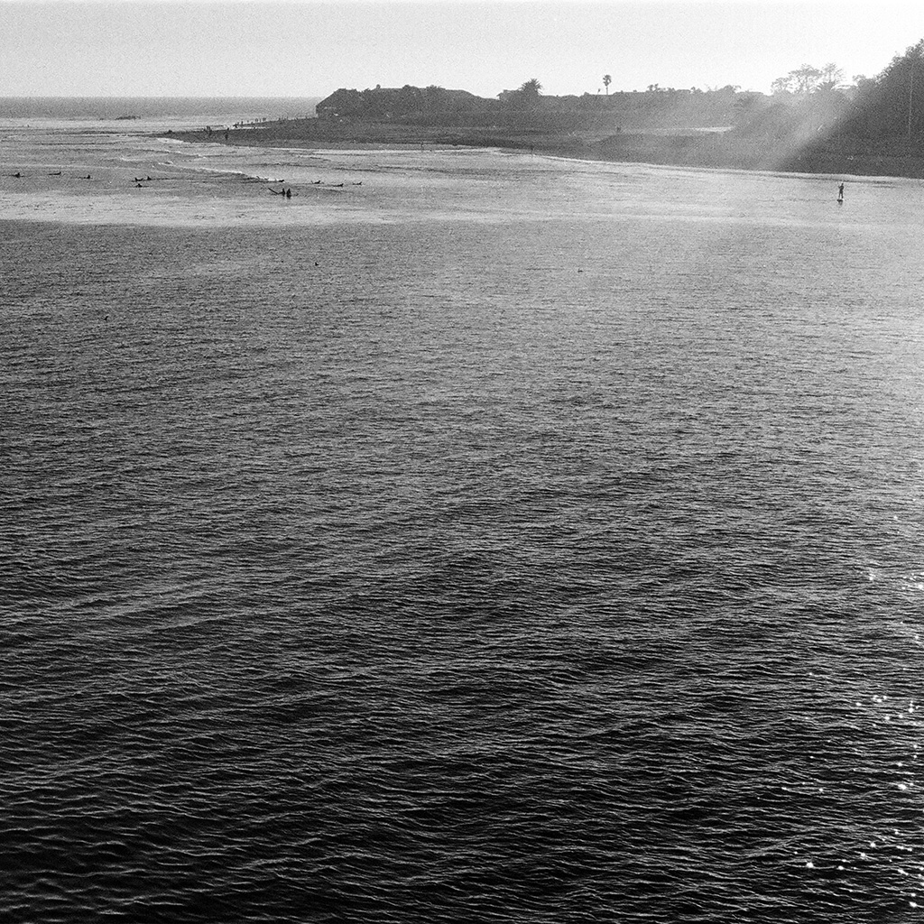 wallpaper-nb22-sea-beach-holiday-nature-dark-bw-wallpaper