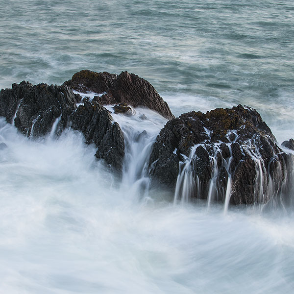 iPapers.co-Apple-iPhone-iPad-Macbook-iMac-wallpaper-nb34-rock-sea-ocean-summer-cold-nature-wave-wallpaper