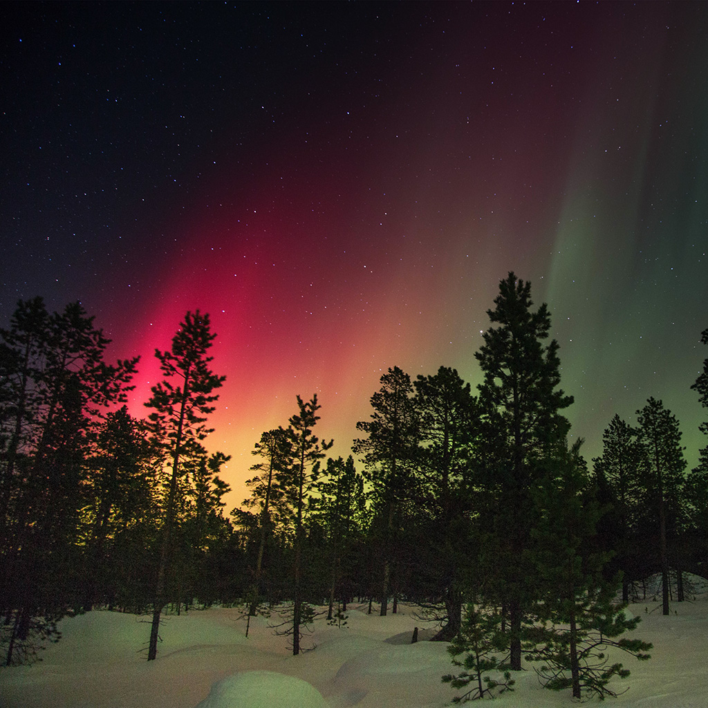 wallpaper-nb37-aurora-night-red-sky-space-dark-wallpaper