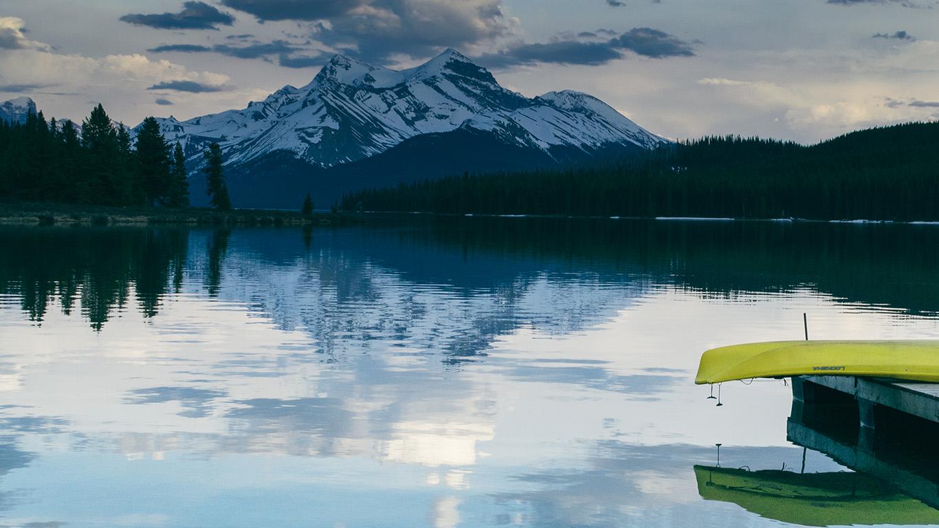 desktop-wallpaper-laptop-mac-macbook-air-nc84-lake-peace-mountain-sky-boat-vacation-summer-wallpaper