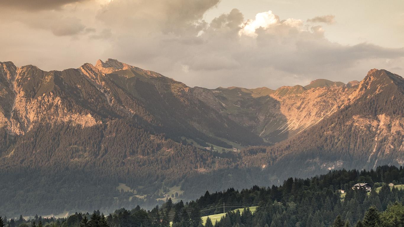 desktop-wallpaper-laptop-mac-macbook-air-nc95-mountain-view-summer-sky-wallpaper