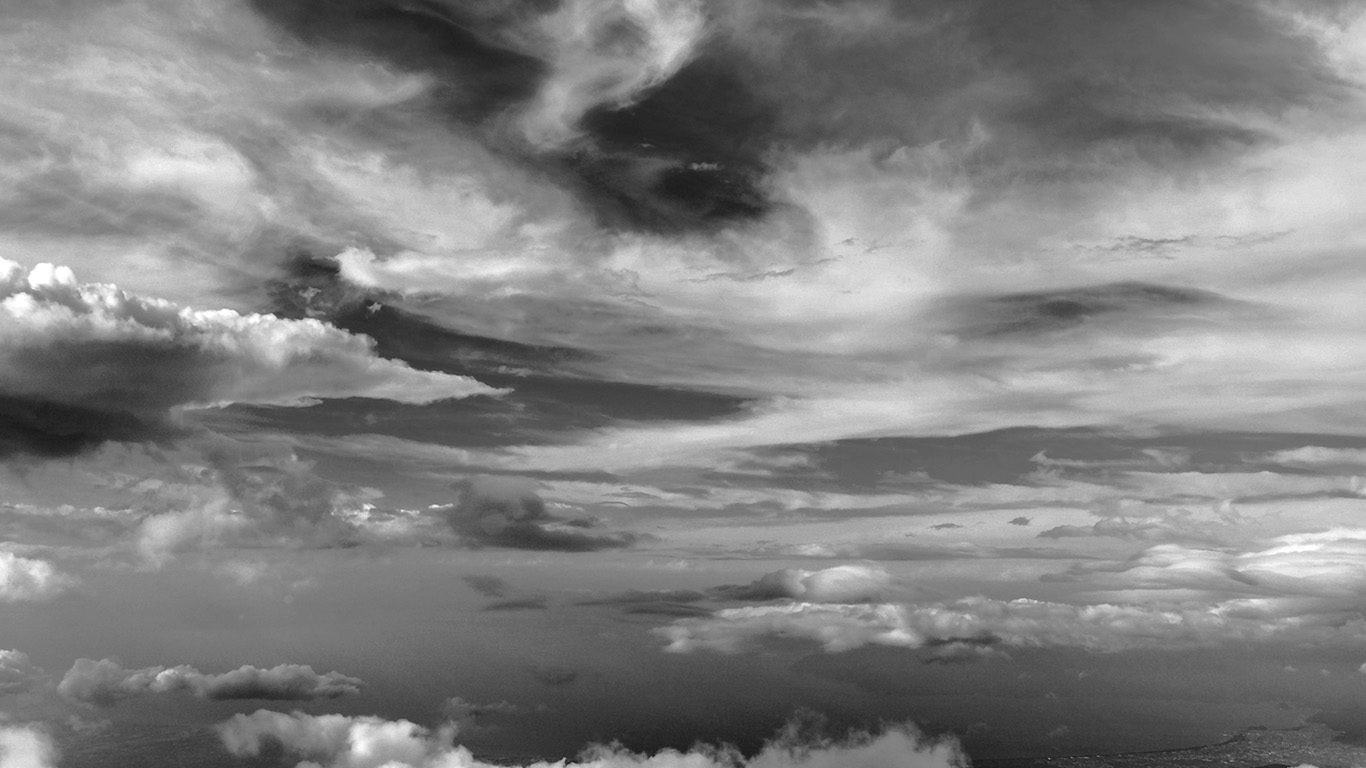 desktop-wallpaper-laptop-mac-macbook-air-nd34-cloud-sky-nature-dark-bw-wallpaper