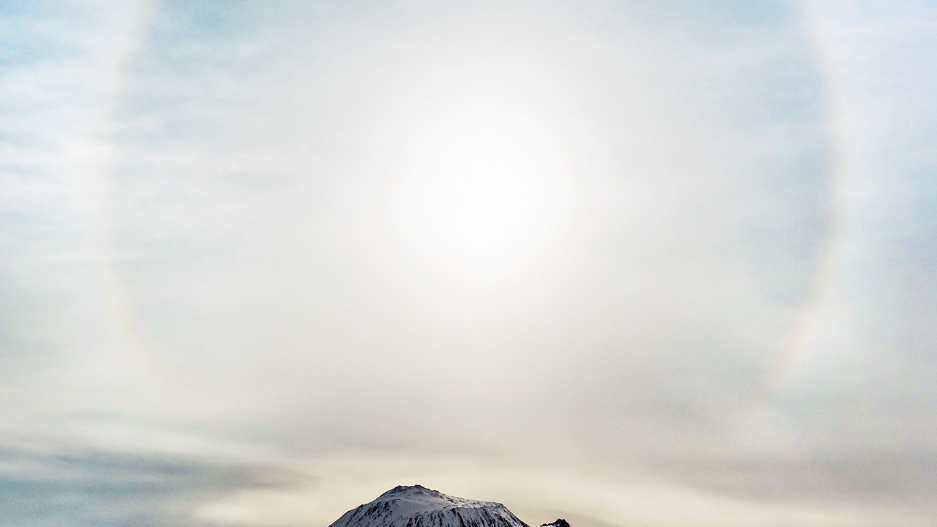 desktop-wallpaper-laptop-mac-macbook-air-ne33-mountain-wonderful-snow-winter-halo-sky-white-wallpaper