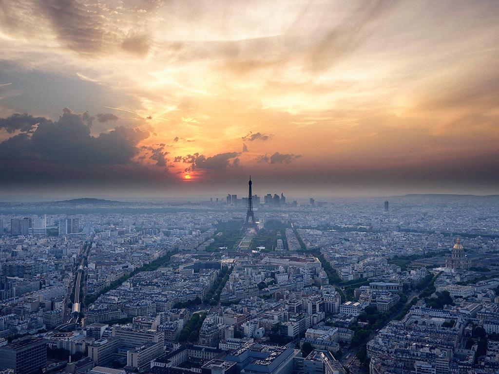essay about paris france