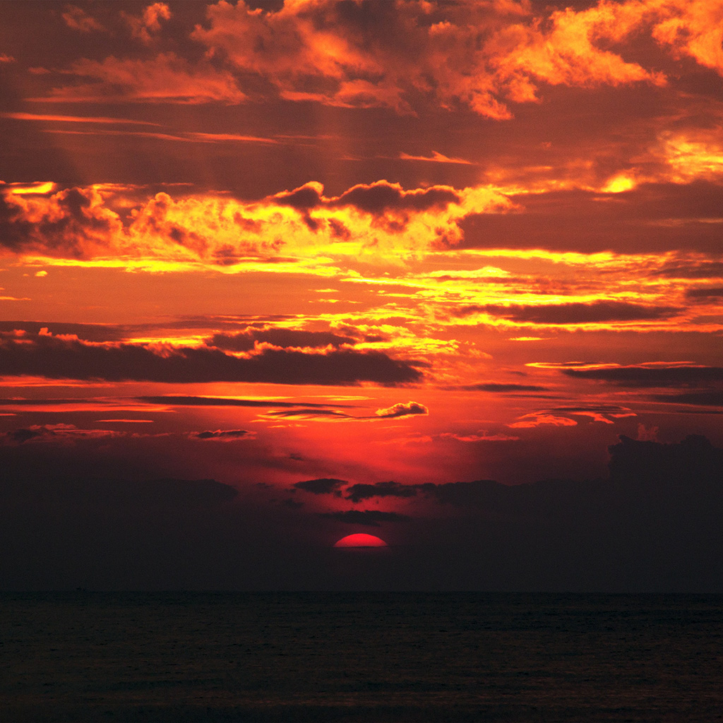 essays on the sunset Describing a sunset in an essay, poem, book or short story requires descriptive adjectives and the use of literary devices, such as imagery, metaphors and symbolism.