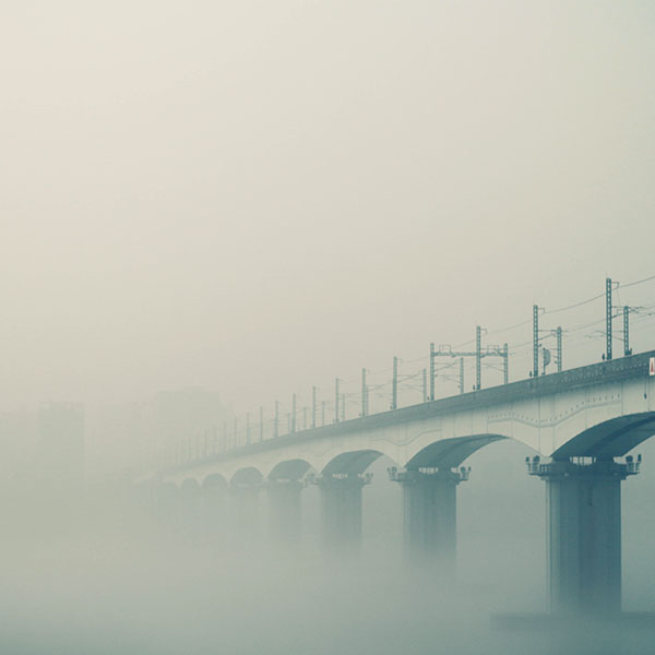 iPapers.co-Apple-iPhone-iPad-Macbook-iMac-wallpaper-ne97-foggy-bridge-river-green-wallpaper
