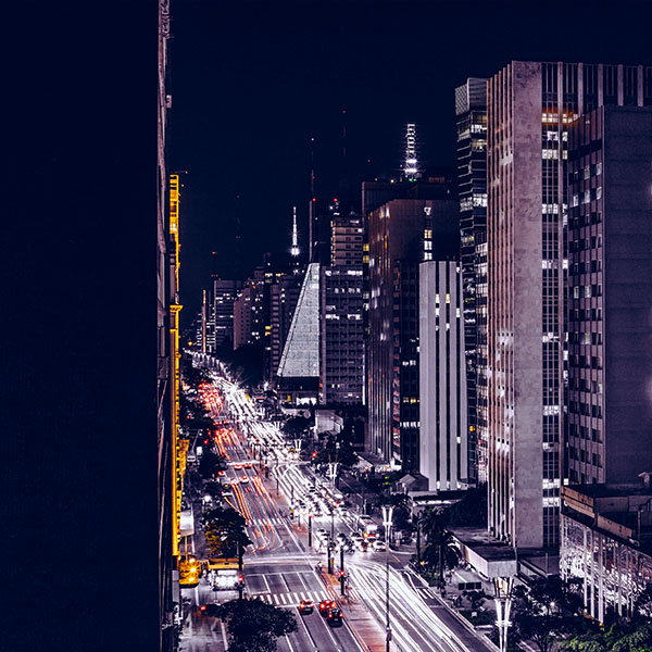 iPapers.co-Apple-iPhone-iPad-Macbook-iMac-wallpaper-nf06-city-night-view-urban-street-blue-wallpaper