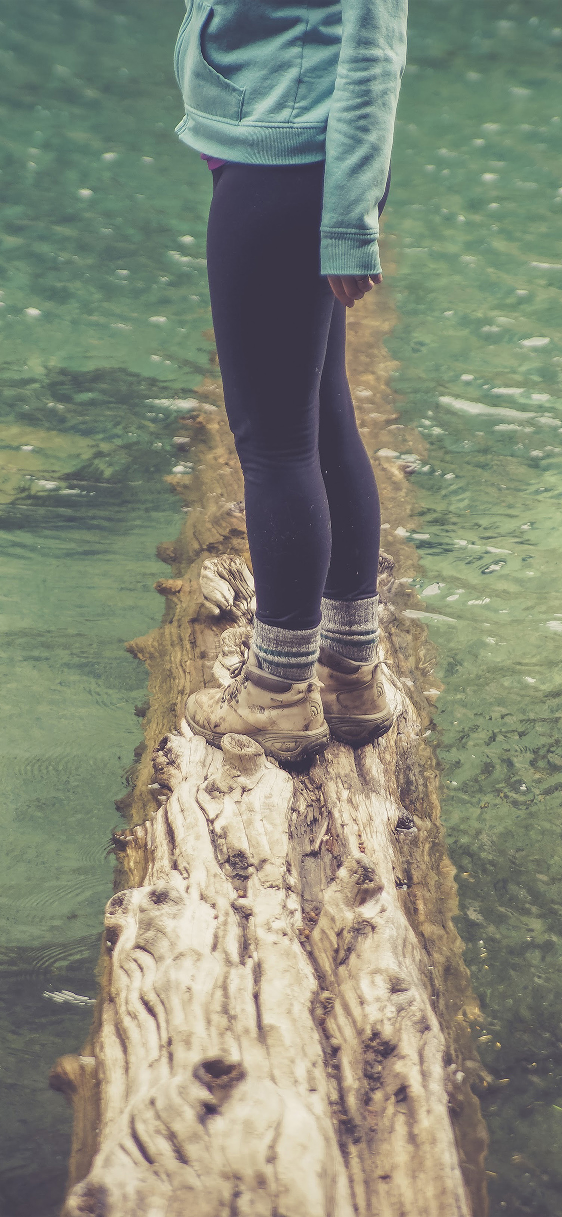 iPhoneXpapers.com-Apple-iPhone-wallpaper-nf58-girlfriend-lake-green-nature-water-cold