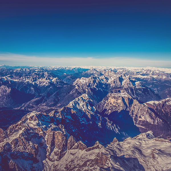 iPapers.co-Apple-iPhone-iPad-Macbook-iMac-wallpaper-nf61-winter-mountain-cold-sky-blue-nature-rock-fly-wallpaper