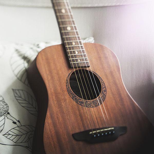 iPapers.co-Apple-iPhone-iPad-Macbook-iMac-wallpaper-nf88-classic-guitar-instrument-music-wallpaper