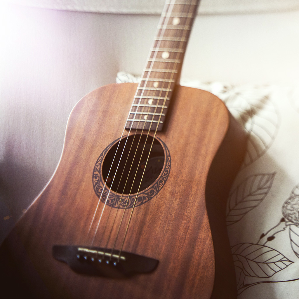 wallpaper-nf89-classic-guitar-instrument-music-flare-wallpaper