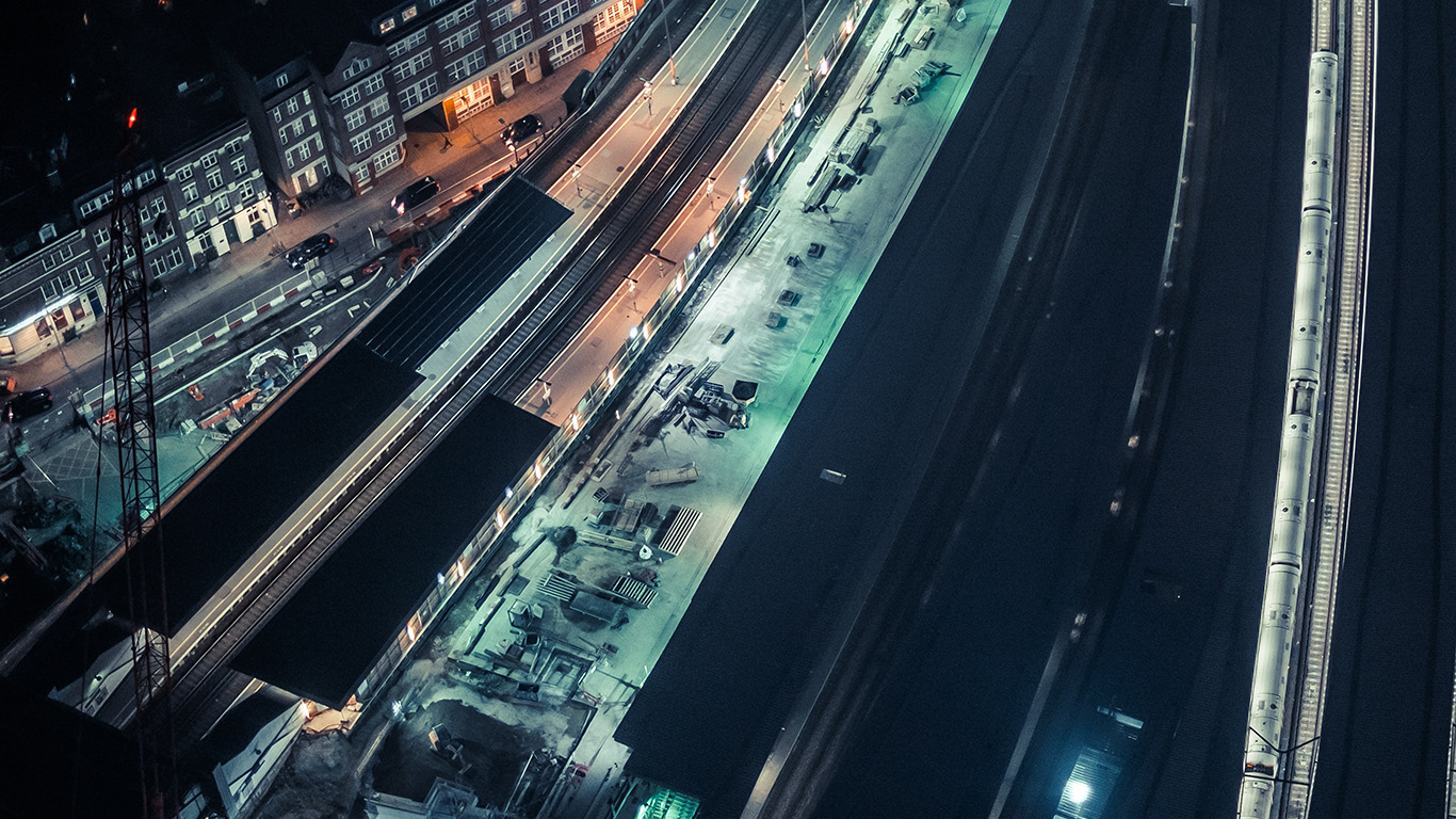 desktop-wallpaper-laptop-mac-macbook-air-nh41-cityview-street-train-blue-dark-night-wallpaper