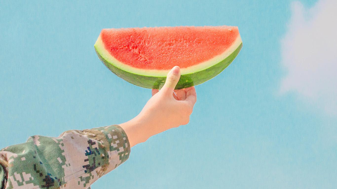 desktop-wallpaper-laptop-mac-macbook-air-ni42-watermelon-summer-food-fruit-happy-wallpaper