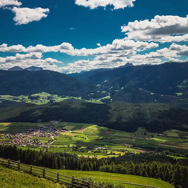 iPapers.co-Apple-iPhone-iPad-Macbook-iMac-wallpaper-ni57-nature-town-sky-cloud-mountain-green-summer-wallpaper