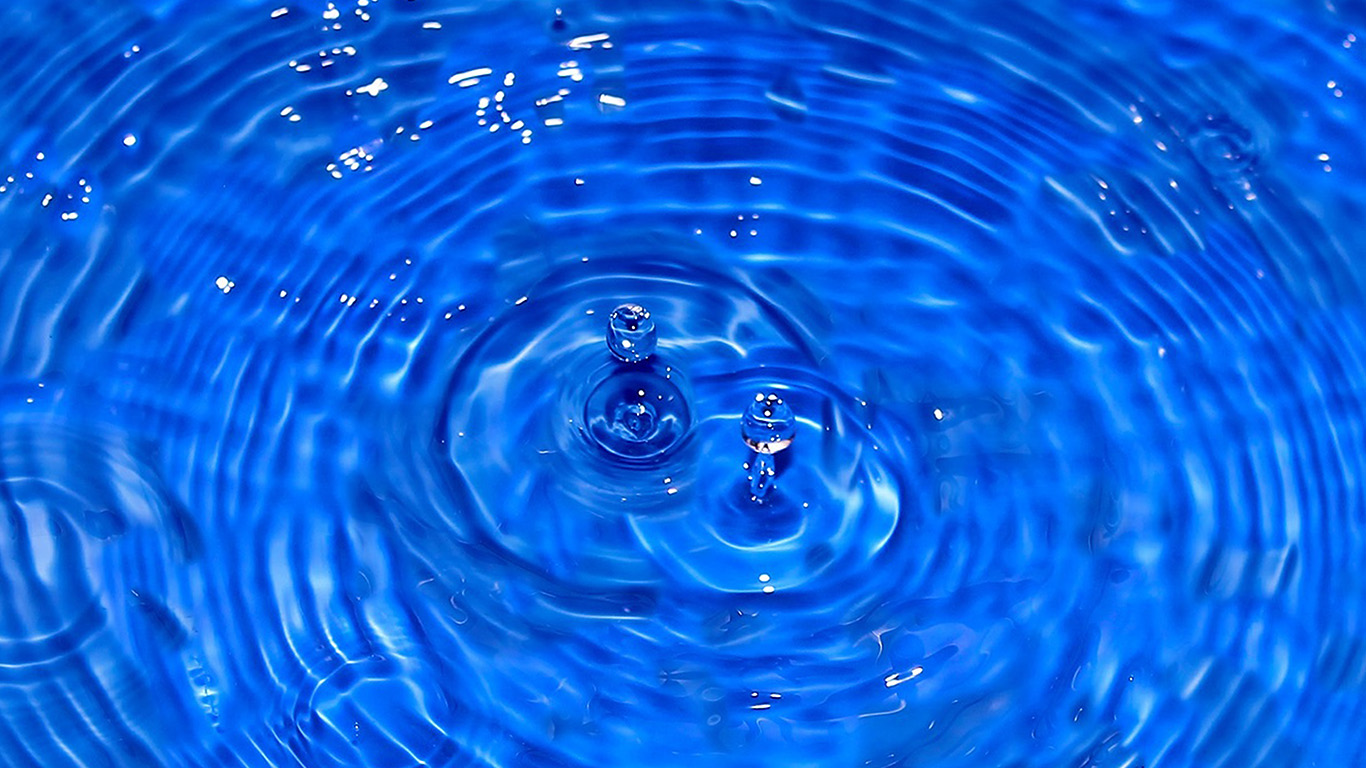 desktop-wallpaper-laptop-mac-macbook-air-ni59-water-cool-blue-drop-swim-wallpaper