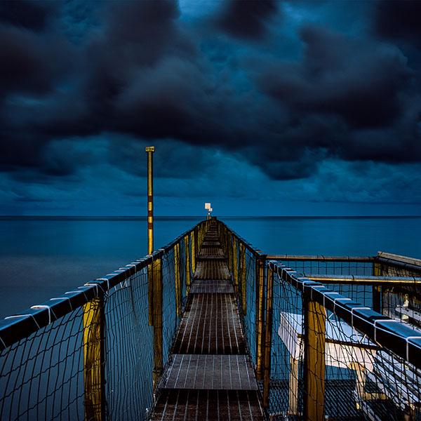 iPapers.co-Apple-iPhone-iPad-Macbook-iMac-wallpaper-ni93-sea-night-blue-dark-bridge-ocean-wallpaper