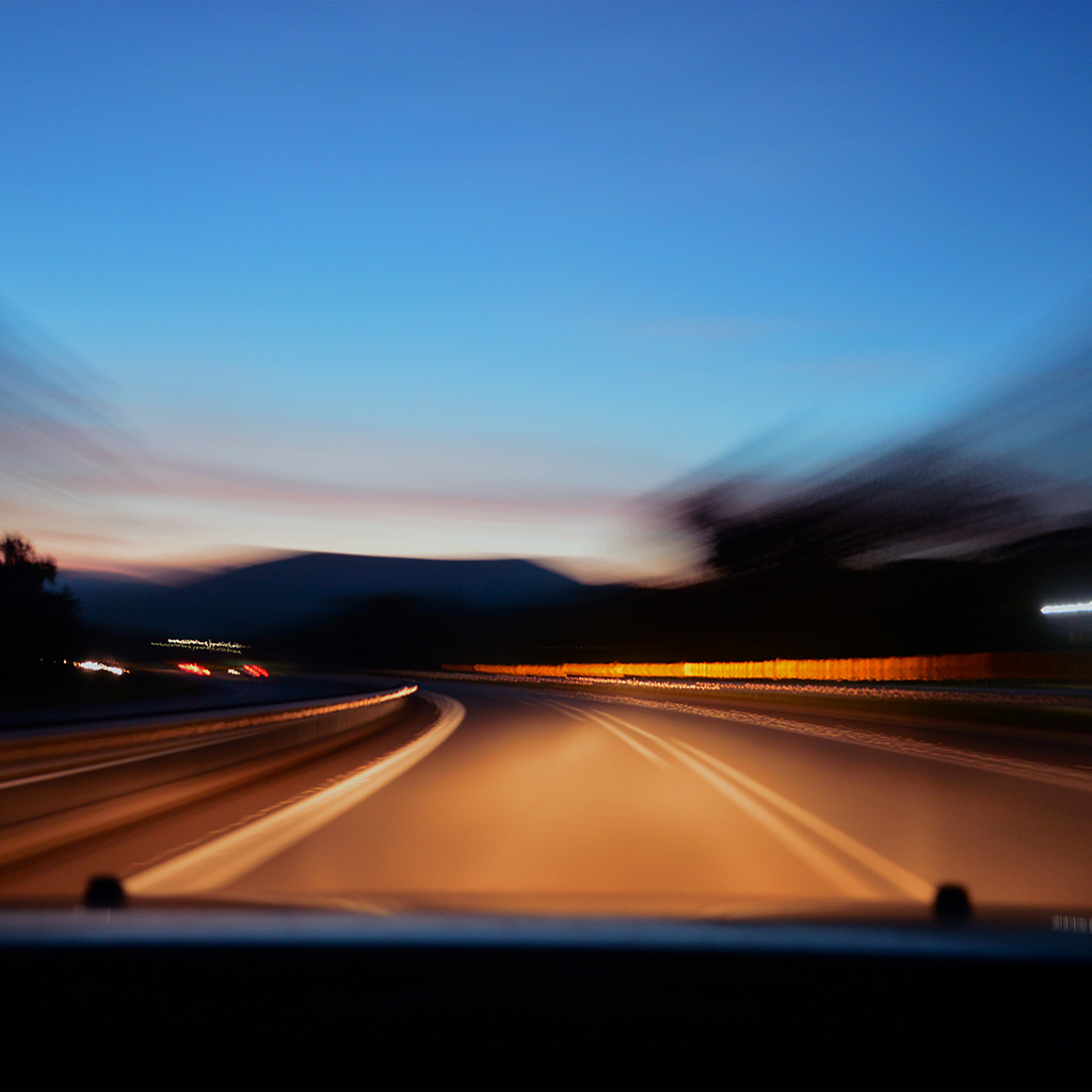 wallpaper-nj94-drive-away-fast-blur-wallpaper