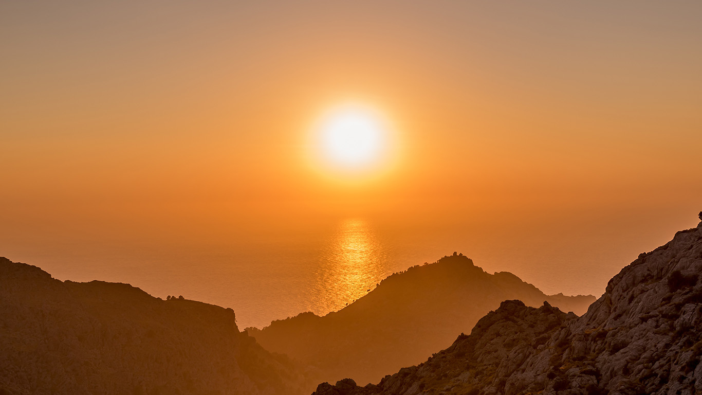 desktop-wallpaper-laptop-mac-macbook-air-nk66-sea-sunset-afternoon-rock-mountain-orange-wallpaper