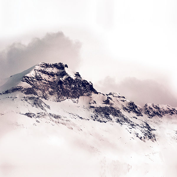 iPapers.co-Apple-iPhone-iPad-Macbook-iMac-wallpaper-nl05-mountain-white-snow-winter-minimal-red-wallpaper