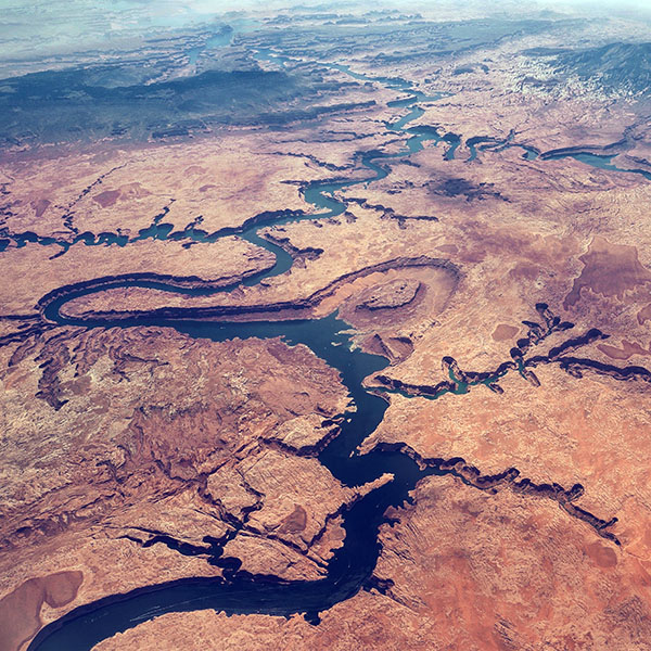 iPapers.co-Apple-iPhone-iPad-Macbook-iMac-wallpaper-nl13-earthview-land-river-curve-nauture-red-wallpaper