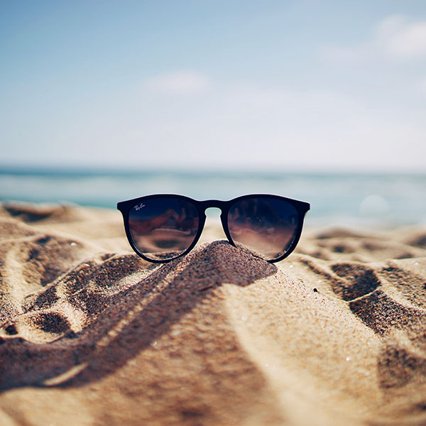 iPapers.co-Apple-iPhone-iPad-Macbook-iMac-wallpaper-nl80-nature-glass-sun-rayban-bokeh-vacation-sea-summer-wallpaper