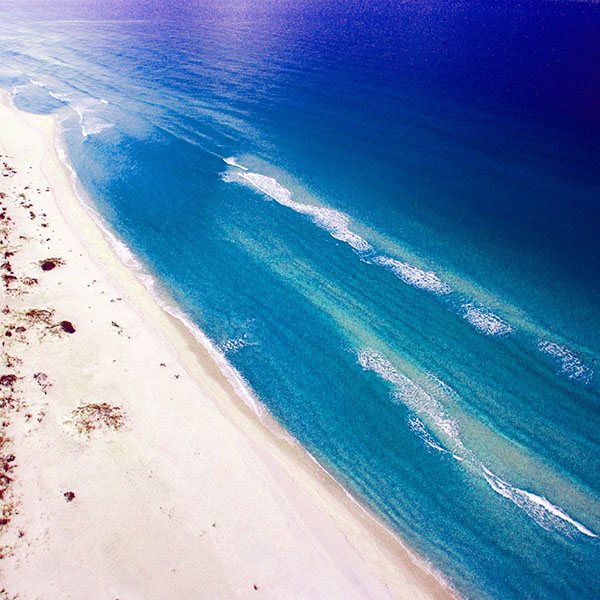 iPapers.co-Apple-iPhone-iPad-Macbook-iMac-wallpaper-nm11-sea-blue-skyview-earth-summer-nature-wallpaper
