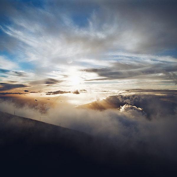 iPapers.co-Apple-iPhone-iPad-Macbook-iMac-wallpaper-nm32-cloud-summer-mountain-fog-nature-wallpaper