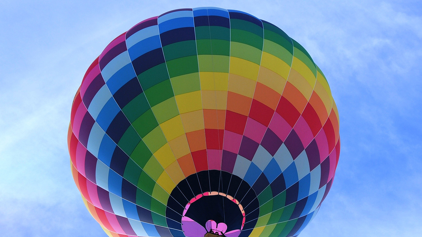 desktop-wallpaper-laptop-mac-macbook-air-nm69-color-air-balloon-sky-fun-wallpaper