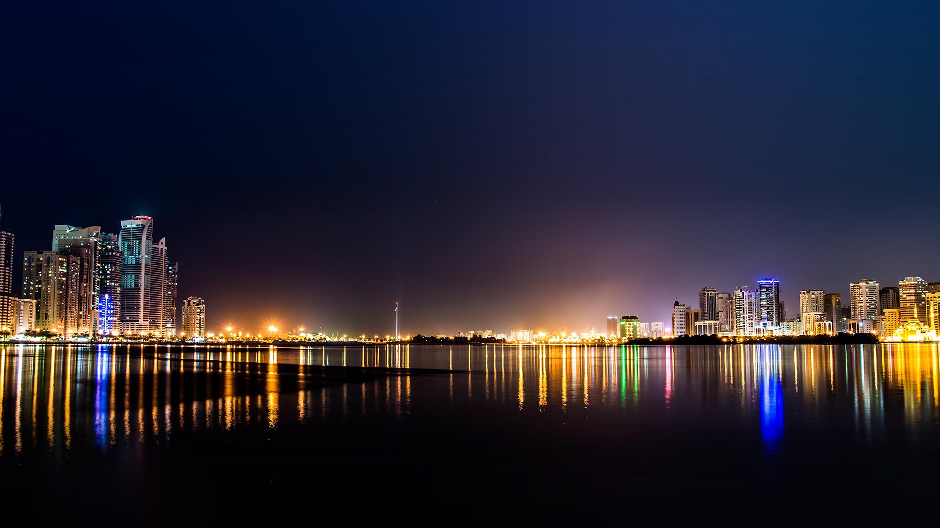 nn03-city-water-river-night-light-bokeh-wallpaper