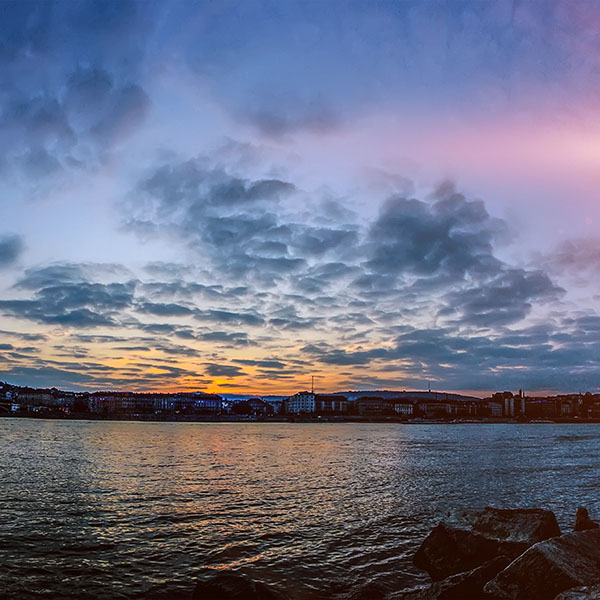 iPapers.co-Apple-iPhone-iPad-Macbook-iMac-wallpaper-nn11-city-river-lake-cloudy-sunset-flare-wallpaper