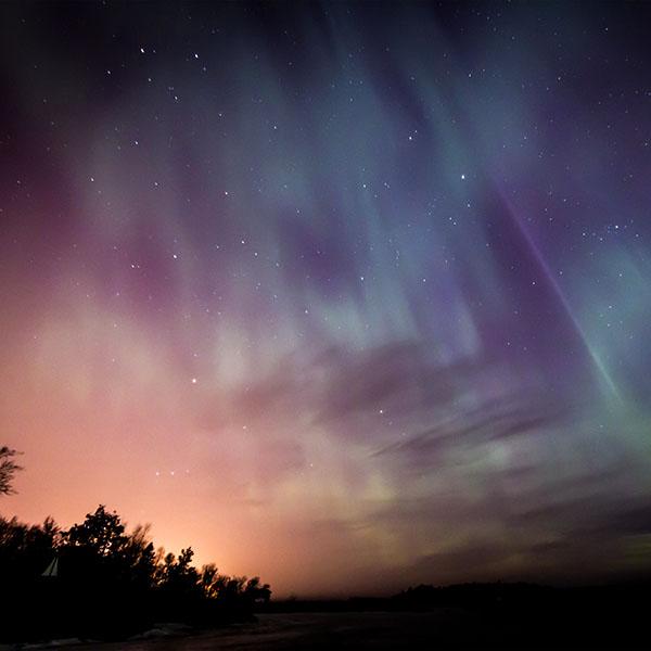 iPapers.co-Apple-iPhone-iPad-Macbook-iMac-wallpaper-nn29-space-aurora-night-sky-wallpaper