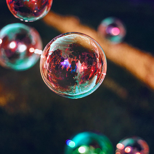 iPapers.co-Apple-iPhone-iPad-Macbook-iMac-wallpaper-nn87-bubble-summer-day-red-bokeh-dark-wallpaper