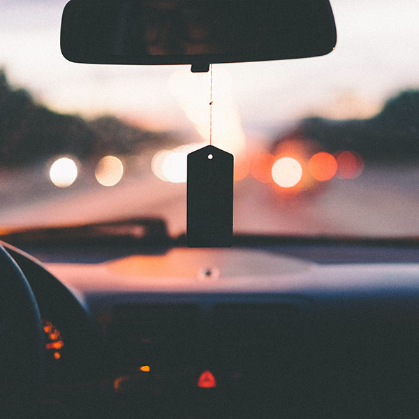 iPapers.co-Apple-iPhone-iPad-Macbook-iMac-wallpaper-np22-bokeh-car-drive-afternoon-nature-wallpaper