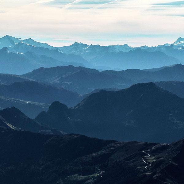 iPapers.co-Apple-iPhone-iPad-Macbook-iMac-wallpaper-np36-morning-mountain-fog-blue-sky-nature-view-wallpaper