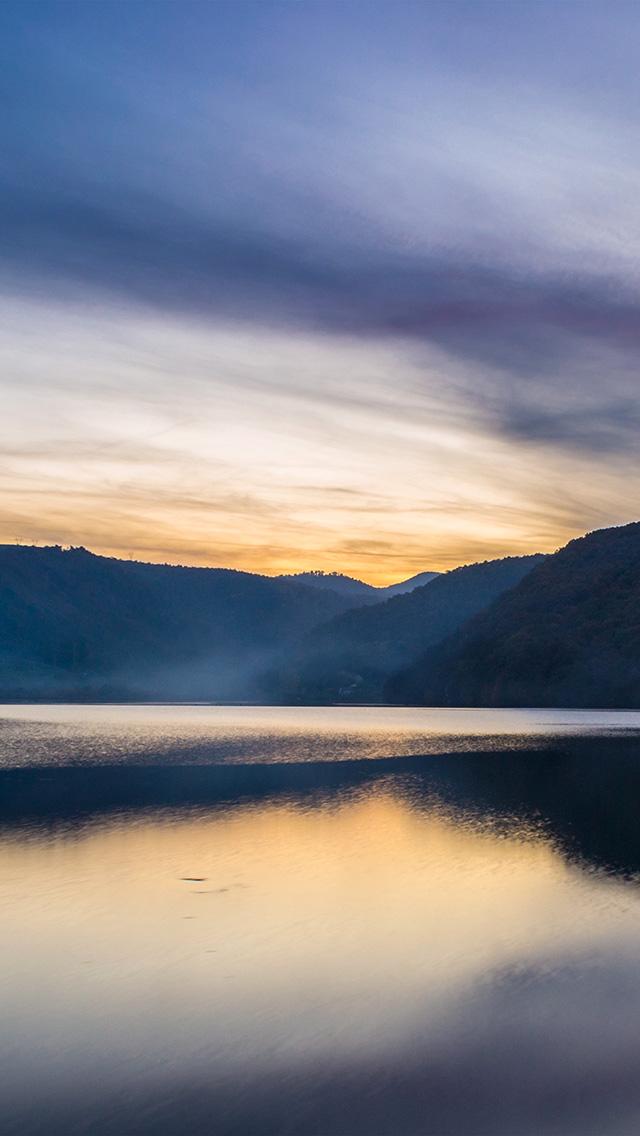 crators lake nature essay