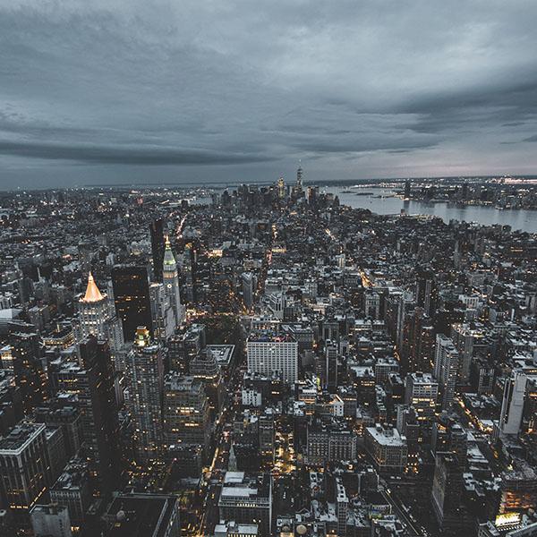 iPapers.co-Apple-iPhone-iPad-Macbook-iMac-wallpaper-ns04-unsplash-city-sky-newyork-building-nature-wallpaper