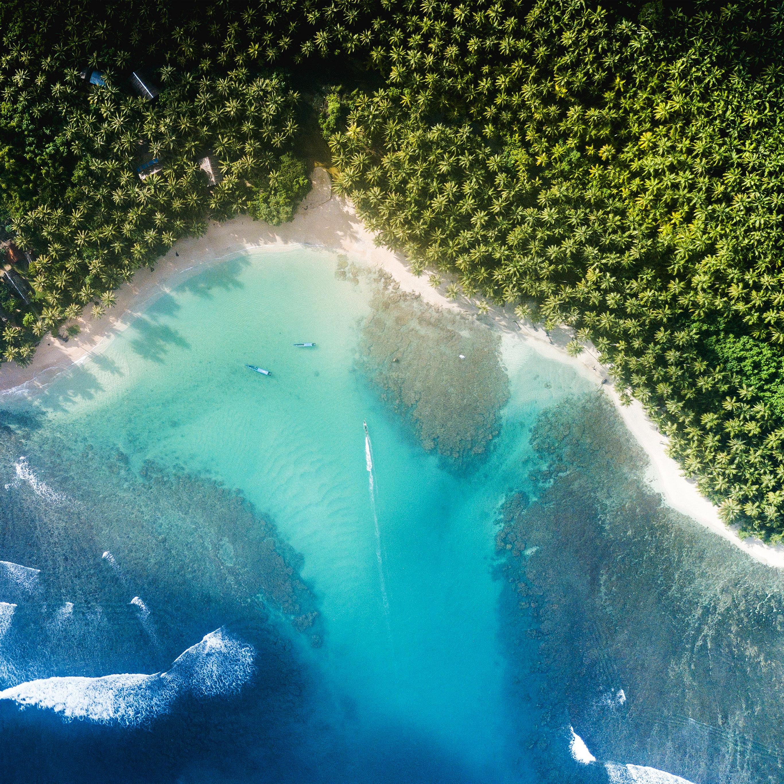Google Earth Wallpaper: Nu19-beach-sea-summer