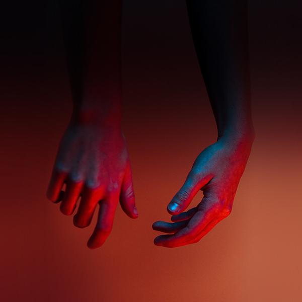 iPapers.co-Apple-iPhone-iPad-Macbook-iMac-wallpaper-nu29-hand-red-dark-nature-wallpaper