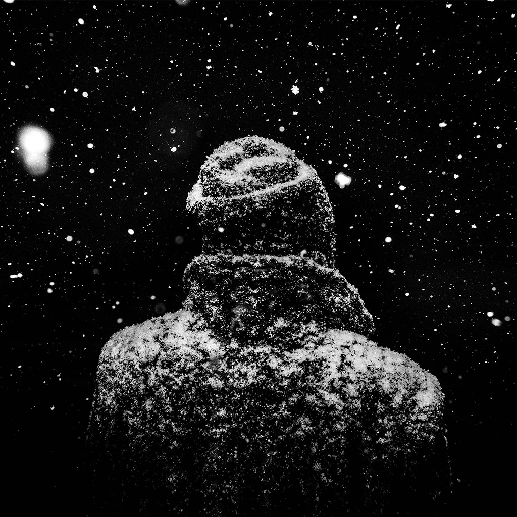 android-wallpaper-nu86-snow-winter-dark-man-nature-wallpaper