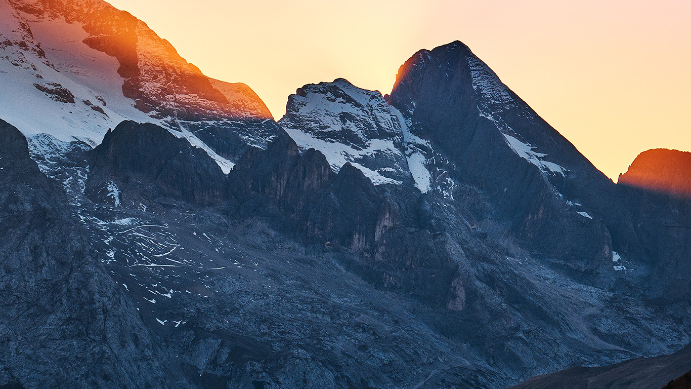 desktop-wallpaper-laptop-mac-macbook-air-nw48-luca-bravo-mountain-sunset-nature-wallpaper