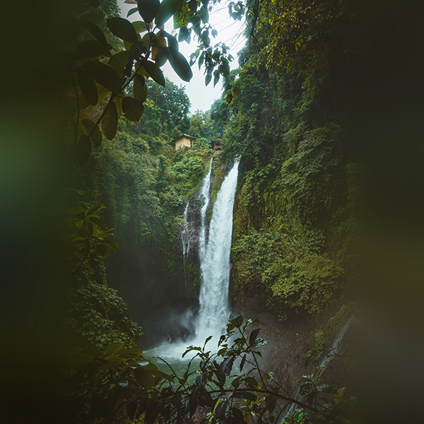 iPapers.co-Apple-iPhone-iPad-Macbook-iMac-wallpaper-nx66-mountain-waterfall-summer-amazon-nature-wallpaper