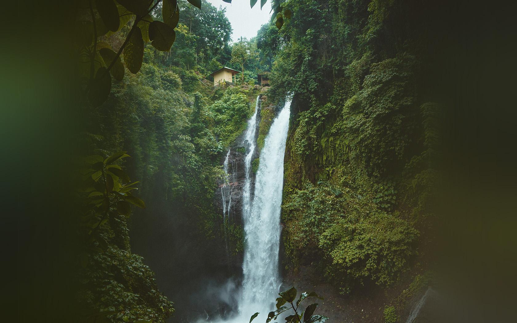 nx66-mountain-waterfall-summer-amazon-nature-wallpaper