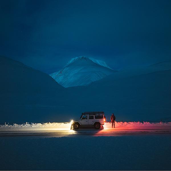 iPapers.co-Apple-iPhone-iPad-Macbook-iMac-wallpaper-nx83-snow-winter-car-night-nature-wallpaper