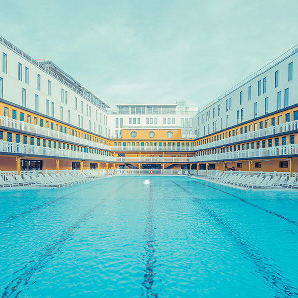 iPapers.co-Apple-iPhone-iPad-Macbook-iMac-wallpaper-ny09-city-swimming-pool-summer-nature-wallpaper